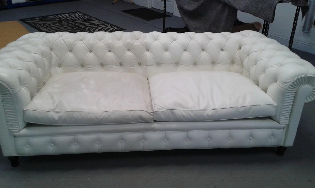 White poltrona frau chester sofa leathertech for Chester poltrona frau