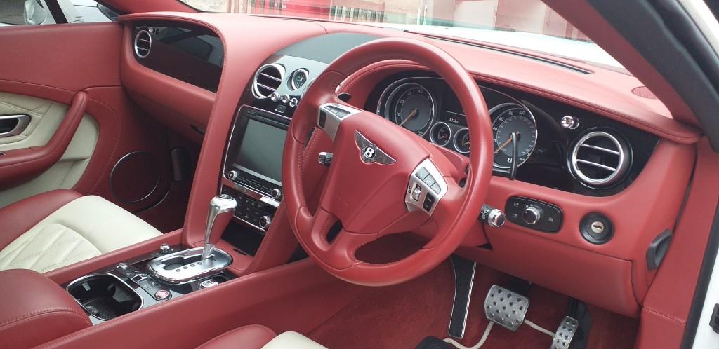 steering_Wheel_Close